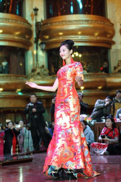 安徽省第二届旗袍模特大赛举行半决赛 参赛佳丽尽显旗