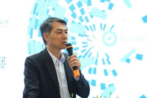健康工程设计研究分院院长刘玉龙主持,邀请了医院管理者,中外建筑师