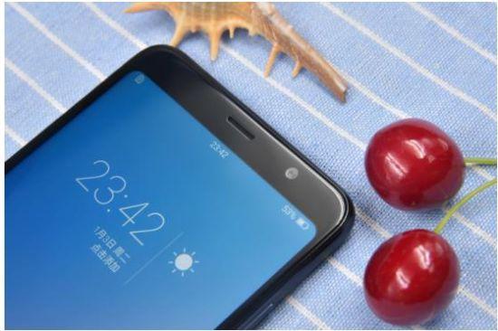 年轻用户的新选择,海信全面屏哈利手机火爆销售中