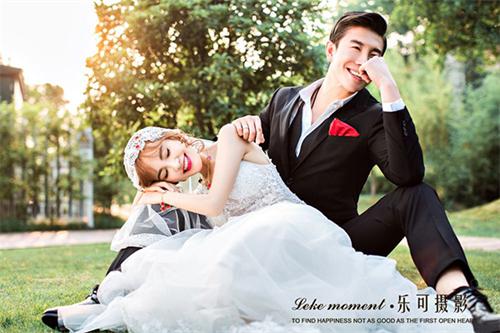 郑州婚纱摄影前十名哪家好呢,如何选择一家拍摄新颖,有创意,婚纱照