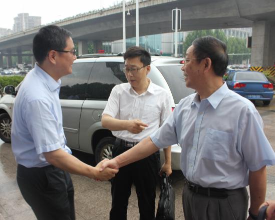 广西壮族自治区人大领导莅临普瑞眼科对省红十